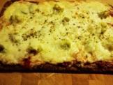 lizza salami pizza