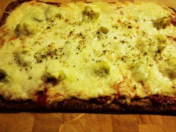 Rezept: Lizza Pizza mit Salami und milden Pepperoni